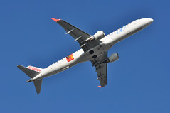 UX1014 LGW-MAD (A380spotter) Tags: takeoff departure climb climbout belly embraersa embraerempresabrasileiradeaeronauticasa ejet e195 e195lr 200lr emb erj eclkm realmallorca100 decal decals sticker stickers 2016 aireuropa aea ux ux1014 lgwmad runway08r 08r london gatwick egkk lgw