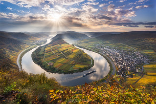 Moselle Bend at Bremm