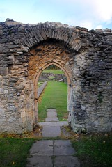 The Lesnes Abbey surviving arch (zawtowers) Tags: green chain section 1 walk thamesmeadtolesnesabbey sunday 12th november 2017 dry cold amble stroll walking south east london suburbs lesnes abbey park lesnesabbeylesnes ruins closed 1534 dissolution sole surviving arch built stone
