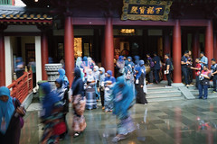 171111-161617-EditD (andrewchewcc) Tags: buddha tooth relic temple singapore chinatown blue students muslim tour