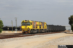17 November 2017 ACN4150 ACN4141 6763 loaded ore Narngulu (RailWA) Tags: railwa philmelling acn4150 acn4141 6763 loaded ore narngulu aurizon midwest geraldton
