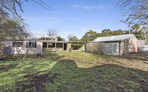 2 Government Rd, Rochford VIC 3442