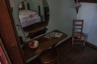 BAYOU CABINS BED AND BREAKFAST : BREAUX BRIDGE LA