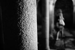 Darkroom (stefankamert) Tags: stefankamert darkroom blur blurry bw baw blackandwhite blackwhite noir noiretblanc pillar textures dark dof sony rx1 rx1r sonyrx1r mirrorless fullframe zeiss