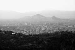 Ver lo que un drone (Mar Cifuentes) Tags: cielo sky city park hill santiago chile light sunset bnw bw blancoynegro blackandwhite noiretblanc