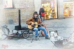 Street artist (Jurek.P) Tags: musician streetscene street artist guitar nuremberg norymberga jurekp sonya77