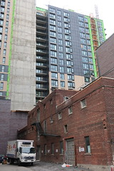 IMG_8975 (bttemegouo) Tags: exalto district griffin devimco conco montréal montreal griffintown downtown centreville construction architecture