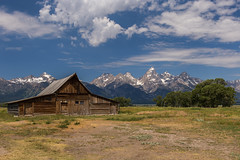 Moulton Barn (Tim&Elisa) Tags: usa wyoming landscape nature canon grandteton grandtetonnationalpark moultonbarn mountains