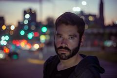 En la B (Cruz-Monsalves) Tags: hombre man men male dude guy portrait urbano urban city lights ciudad luces sunset noche retrato