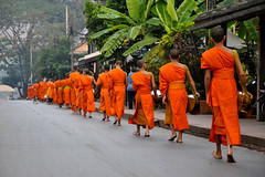 Luang Prabang (Valdas Photo Trip) Tags: laos luangprabang monks buddhism streetphotograhy