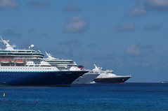 "Cruise Ships in Grand Cayman • <a style=""font-size:0.8em;"" href=""http://www.flickr.com/photos/28558260@N04/38100390075/"" target=""_blank"">View on Flickr</a>"