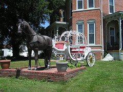 "Horse and Buggy (Vinny Gragg) Tags: •template ""roadsideattraction"" ""roadsideattractions"" ""roadsidestatue"" ""roadsidegiants"" ""roadsidestatues"" ""roadsideoddities"" statues statue ""roadsideart"" giants ""fiberglassstatue"" ""fiberglassstatues"" fiberglass ""metropolisillinois"" metropolis illinois horseandbuggy horse buggy riverviewmansion riverviewmansionbedbreakfast"
