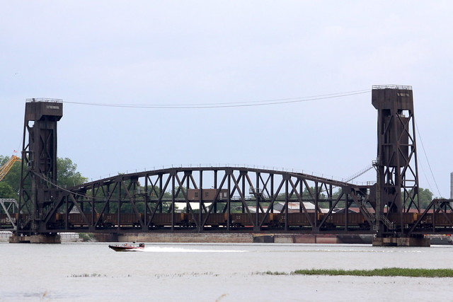 Vertical Lift Railroad Bridge - Decatur, AL