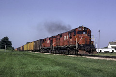 A Pair on 2 (ac1756) Tags: greenbaywestern gbw greenbayroute alco rs27 316 310 2 almacenter wisconsin