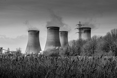 Powered up (nds6346) Tags: fiddlers ferry power station widnes cheshire industry electricity nikon nikond5300 nikonphotography blackandwhite monochrome