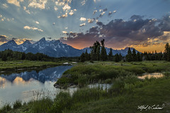 Last Rays at Schwabacher_27A0318 (Alfred J. Lockwood Photography) Tags: alfredjlockwood nature landscape twilight sunset dusk snakeriver reflection rockymountains middleteton grandteton teewinot grandtetonnationalpark grasses field forest clouds summer wyoming