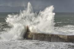 Viavelez (arribamarcos) Tags: espigon rompiente ola viavelez elfranco asturias marejada marcantabrico