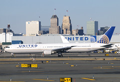 N69063 (JBoulin94) Tags: n69063 united airlines boeing 767400 newark liberty international airport ewr kewr usa newjersey nj john boulin