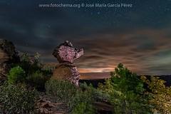 Esculturas naturales (fotochemaorg) Tags: airelibre azul cielo ciudadencantada estrellas geología losartesones mazarete montaña naturaleza noche nocturna nube paisaje piedraarenisca roca
