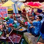 Amphawa floating market in Samut Songkhram province, Thailand thumbnail