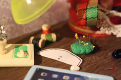 handmade gifts. sewing (kinmegami) Tags: rement miniature dollhouseminiature handmade barbie barbiemadetomove christmas sewing machine kawamoto cookie box youthdayshighschoolplayback cuteourhome