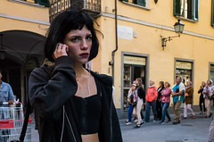 Pisa, 2017 (Antonio_Trogu) Tags: antoniotrogu streetphotography pisa toscana tuscany 2017 girl woman young ragazza candid urban unposed ricohgr ricoh explore