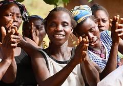 Egun dances (Benin), by Phil Kidd (transafrica.togo) Tags: benin bénin tourbenin travelbenin voyagebénin viaggiobenin afriquedelouest westafrica africaoccidentale transafrica egoun egun egoungoun egungun mask masque maschera revenant yorouba yoruba
