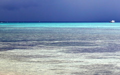 mauritius turquoise layer (kexi) Tags: mauritius ilemaurice africa water ocean indianocean turquoise layers blue sky calm canon october 2016 horizon instantfave wallpaper wow