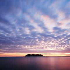 DSC_0221 (pattana92392) Tags: sunset minimal seawave sea longexposure coast water fineart stone sky