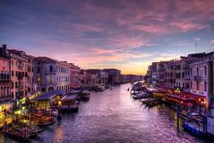 Venezia (Ruinenvogel) Tags: venedig venezia venice venise ponterialto canalgrande sunset night nightshots
