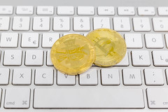 Online Payment Currency: Bitcoin (wuestenigel) Tags: börse ecommerce payment shopping bubble boom minen bitcion stock money mining blockchain kryptowährungen geld blase crash cryptocurrency crypto computer keyboard tastatur business geschäft technology technologie internet desktop finance finanzen laptop commerce handel symbol worldwideweb weltweitesnetz key schlüssel type art communication kommunikation office büro noperson keineperson metalkey metallschlüssel alphabet data daten