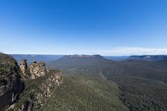 three sisters, blue mountains (Greg Rohan) Tags: bluesky blue mountains mountain sky green landscape bush trees rocks threesisters nature australia nsw katoomba d7200 2017