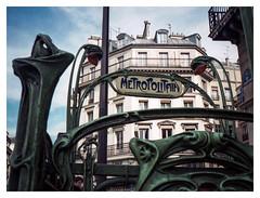 Montmartre, Paris 1992 (jmvanelk) Tags: paris france nikonfe nikkor24mm film analog metropolitain colour montmartre