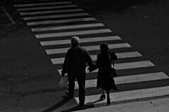 DSC_1960_3974 - Always together. Sempre assieme. (angelo appoloni) Tags: passaggio pedonale coppia mano per bianco e nero pedestrian crossing couple hand by black white