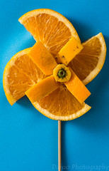 Molino naranja - Orange mill (Daroo Photography) Tags: mill orange fruit wood object blue green color complementary colors macro detail focus lightness shadows light shapes molino naranja fruta madera objeto azul verde colores complementarios detalle foco nitidez sombras luz formas daroo photography fotografia daroophotography nikon d5200 5200 flickr
