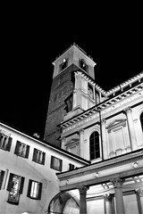 Novara di sera (Massimo Caccia) Tags: bw bnw bn biancoenero noiretblanc blackandwhite mono monocromo monochrome silver novara campanile duomo