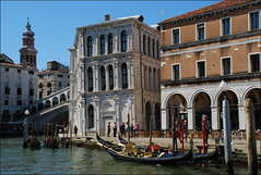 Góndolas en Venecia (Italia, 17-6-2017) (Juanje Orío) Tags: 2017 venecia venezia italia italy góndola canal agua water barcas patrimoniodelahumanidad worldheritage boat europeanunion