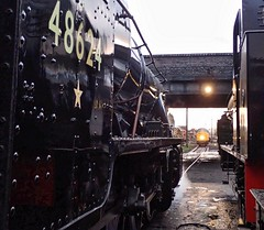 7) Great Central Railway Loughborough Leicestershire 26th November 2017 (loose_grip_99) Tags: great central railway railroad rail loughborough leicestershire eastmidlands england uk steam train engine locomotive preservation transportation gassteam uksteam trains railways lms stanier 8f 280 48624 shed mpd depot class37 37714 austerity 060st 68070 santa november 2017