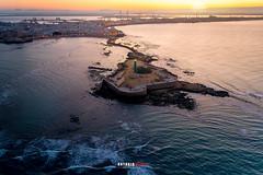 Cádiz al amanecer (Antonio López Fotografía) Tags: cadiz amanecer sol andalucia castilllo san felipe