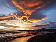 Reflejos del atardecer (Antonio Chacon) Tags: andalucia atardecer marbella málaga mar mediterráneo costadelsol cielo españa spain sunset