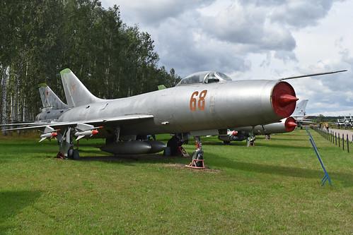 Sukhoi Su-9 '68 red'