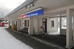 RhB - Station Bergün (Kecko) Tags: 2017 kecko swiss switzerland schweiz suisse svizzera graubünden graubuenden gr bergün bravuogn albula europe pass eisenbahn bahn rhätischebahn rhaetian railway railroad viafierretica rhb bahnhof station swissphoto geotagged geo:lat=46631580 geo:lon=9746470