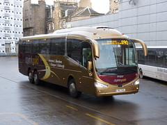 Edinburgh Coach Lines Scania K410EB6 Irizar i6 YR17RHE, in Citylink Gold livery, operating service G90 to Inverness departing Edinburgh Bus Station on 12 December 2017. (Robin Dickson 1) Tags: edinburghcoachlines yr17rhe edinburghbuses scaniak410eb6 irizari6 citylink citylinkgold