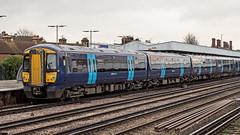 375628 (JOHN BRACE) Tags: 2001 bombardier derby built electrostar class 375 emu 375628 seen tonbridge station southeastern blue livery