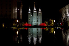 Temple Square Christmas Light Reflection (aaronrhawkins) Tags: christmas lights temple square crowd salt lake city utah season holiday reflection fountain water glow night dark festive color colorful mormon church aaronhawkins