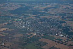 Approche Vienne : Mosonmagyaróvár (Hongrie) (Maillekeule) Tags: vol flight window austrian a320 airbus 320 vienne vienna mosonmagyaróvár hongrie hungary