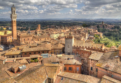 "Siena • <a style=""font-size:0.8em;"" href=""http://www.flickr.com/photos/45090765@N05/39173471622/"" target=""_blank"">View on Flickr</a>"