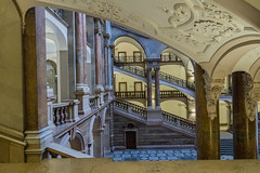 The Perspective (*Capture the Moment*) Tags: 2017 architecture architektur fotowalk häuserwohnungen innenarchitektur interior interiordesign munich münchen sonya6300 sonyfe1635mmf4zaoss sonyilce6300 staircase star treppen treppenhaus