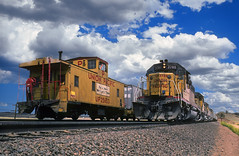 Meet at Dale Junction (Moffat Road) Tags: unionpacific up meet emd sd402 caboose wave graintrain shermanhill dalejunction wyoming railroad 3780 wy