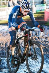 Cyclocross Loenhout (Herbert Huizer / Huizer Fotografie) Tags: azencross loenhout veldrijden cx cyclocross mud bike cycling speed flash